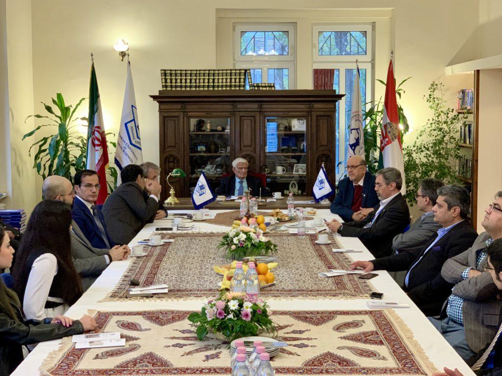 گردهمايي دانش آموختگان دانشگاه علوم پزشكي تهران در بوداپست